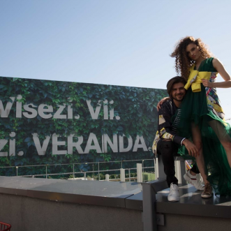 Oborul ține acum și de cald: o colecție capsulă de haine născută dintr-o colaborare inedită a unui mall cu un designer român