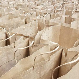 Despre pungi, retail si experiente de cumparare